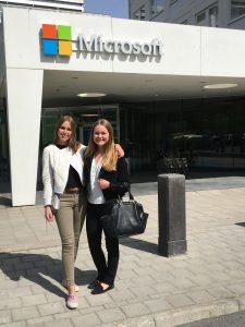 Anna och Emma på Microsoft
